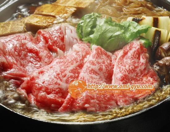 枝肉から切り出す肉で絶品のすきやきを堪能