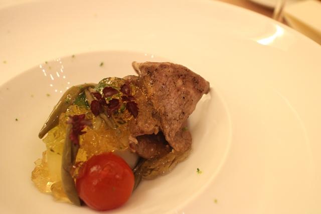 牛モモ肉と夏野菜、そして鰹出汁のジュレとの涼やかな冷製仕立て
