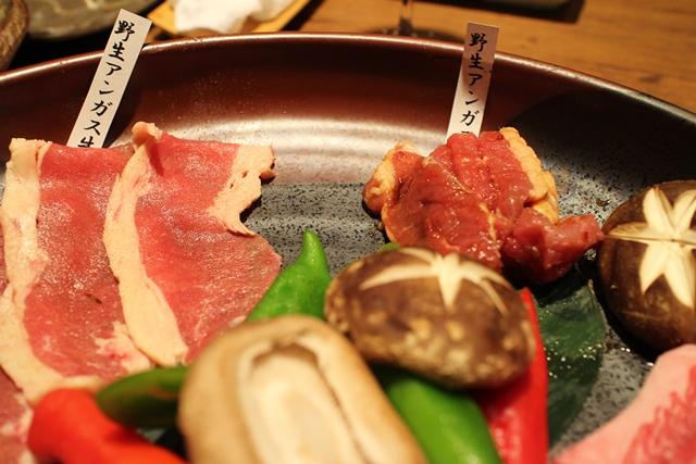 野生アンガスと近江牛、短角和牛の焼肉5種