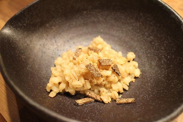 野生アンガス牛のスープで煮込んだオルツォ