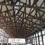 牛舎で見るところは天井