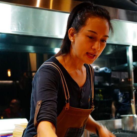 台湾2日目のディナーはAlexシェフのAKAMEへ