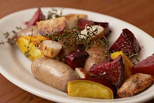 サルシッチャ、紅くるり大根、里芋、紅あずまのグリル